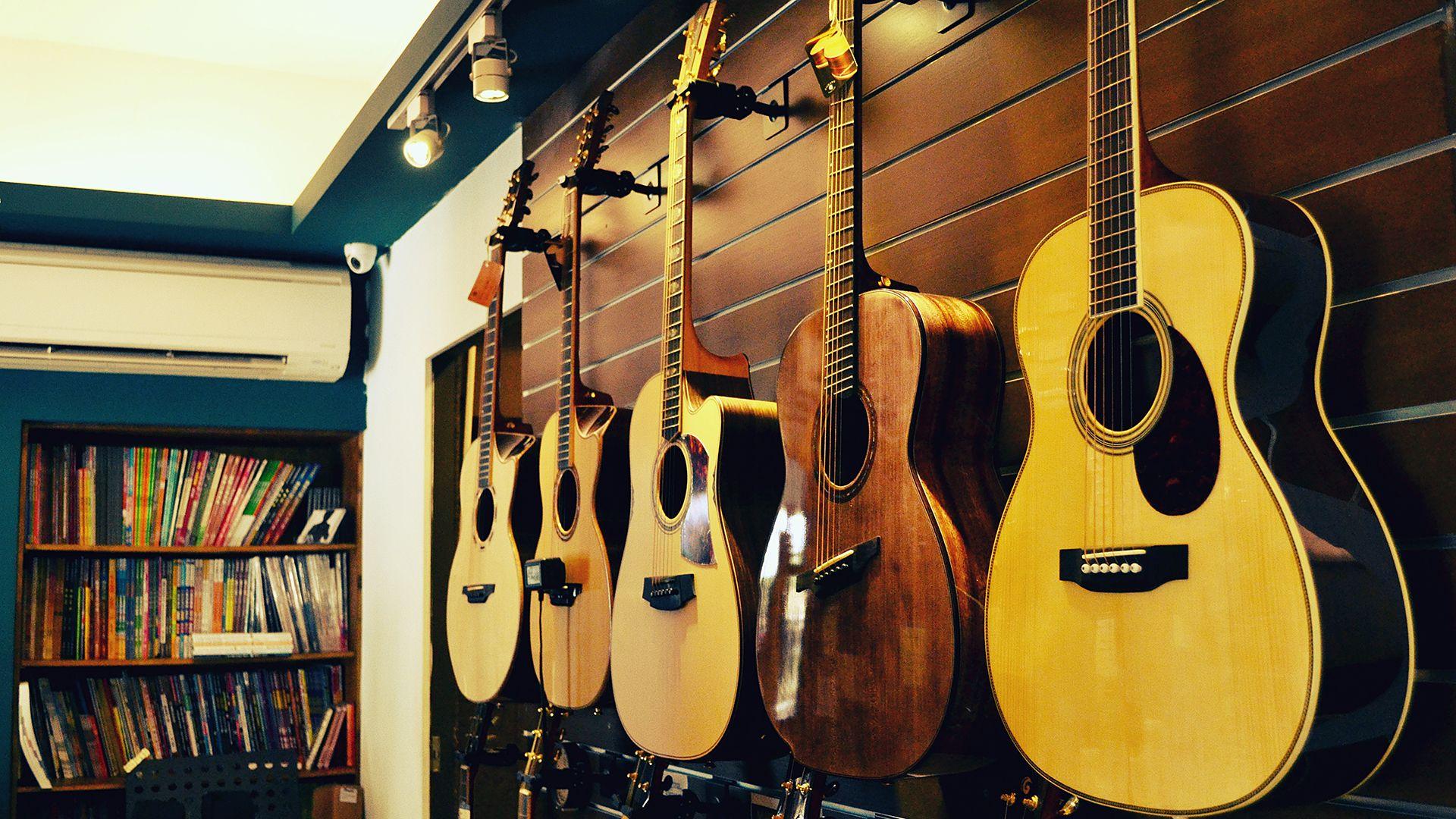買吉他必知!吉他新手如何挑選購買第一把吉他?
